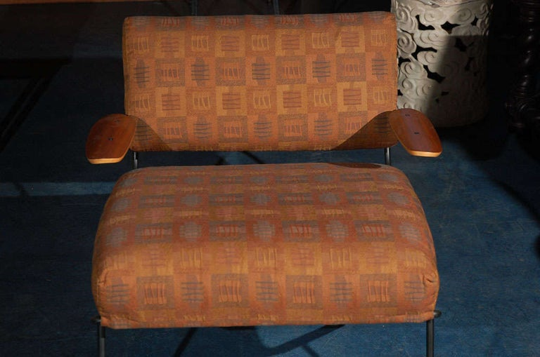 Dan Johnson Lounge Chair In Good Condition For Sale In Los Angeles, CA