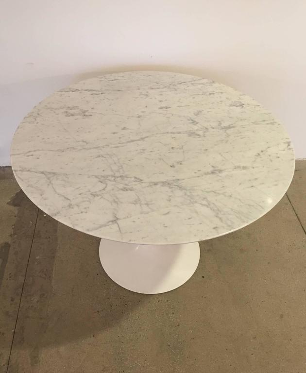 Tulip Table by Eero Saarinen 2