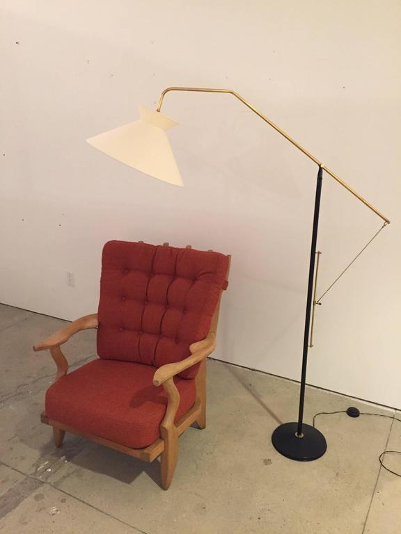 Elegant Mid-Century French Floor Lamp In Good Condition For Sale In Los Angeles, CA