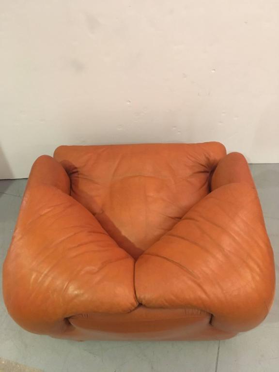Single Confidential Armchair For Sale 2