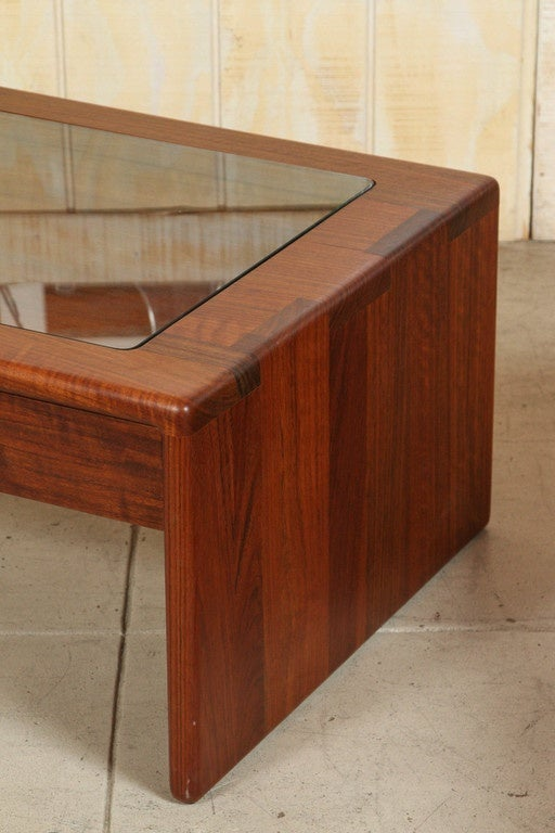Gerald Mccabe Display Coffee Table Clear Glass Top To Reveal Drawer Contents For Sale At 1stdibs