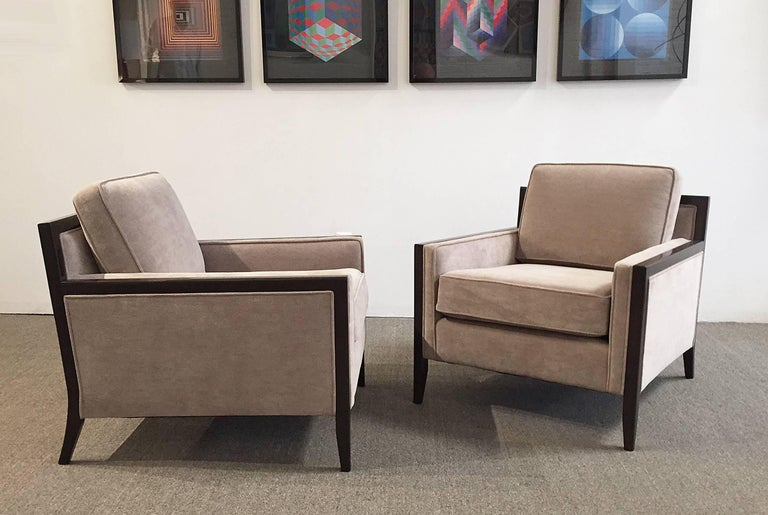 Hand-Crafted Mid-Century Modern Pair of Chairs For Sale