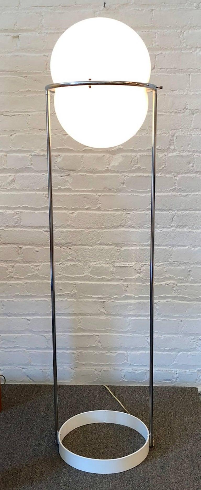 Mid-Century Modern 1970s Modern Floor Lamp For Sale