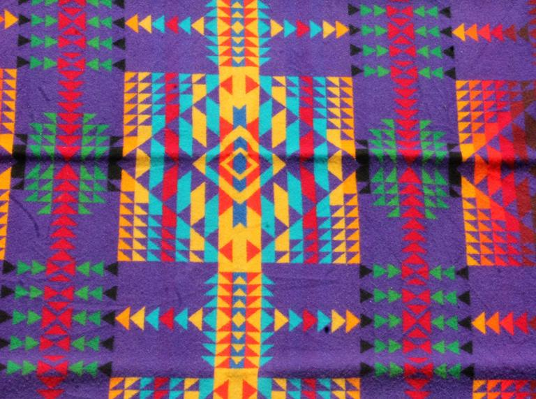 American Amazing Colorful Vintage Pendleton Indian Design Camp Blanket For Sale