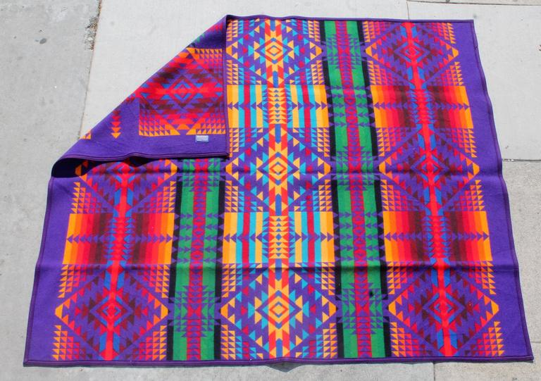 Amazing Colorful Vintage Pendleton Indian Design Camp Blanket In Excellent Condition For Sale In Los Angeles, CA