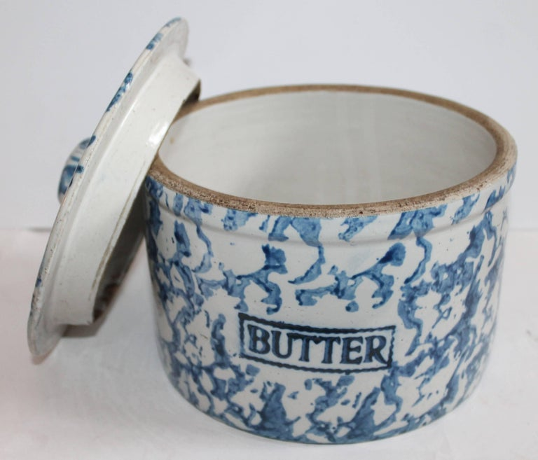 Collection of Three 19th Century Sponge Ware Pottery Butter Crocks For Sale 2