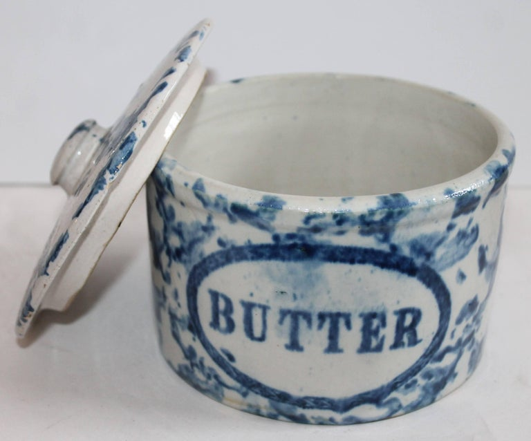 Collection of Three 19th Century Sponge Ware Pottery Butter Crocks For Sale 3