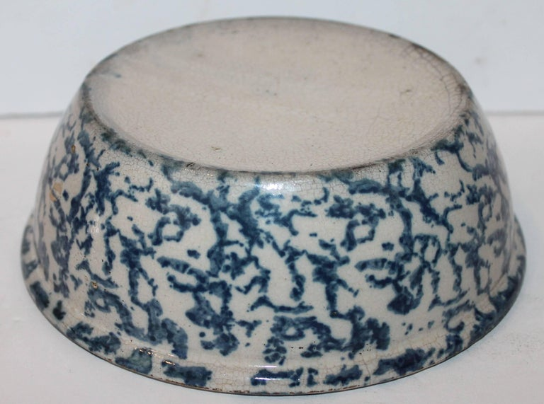 Hand-Painted 19th Century Sponge Ware Pottery Serving Bowl For Sale