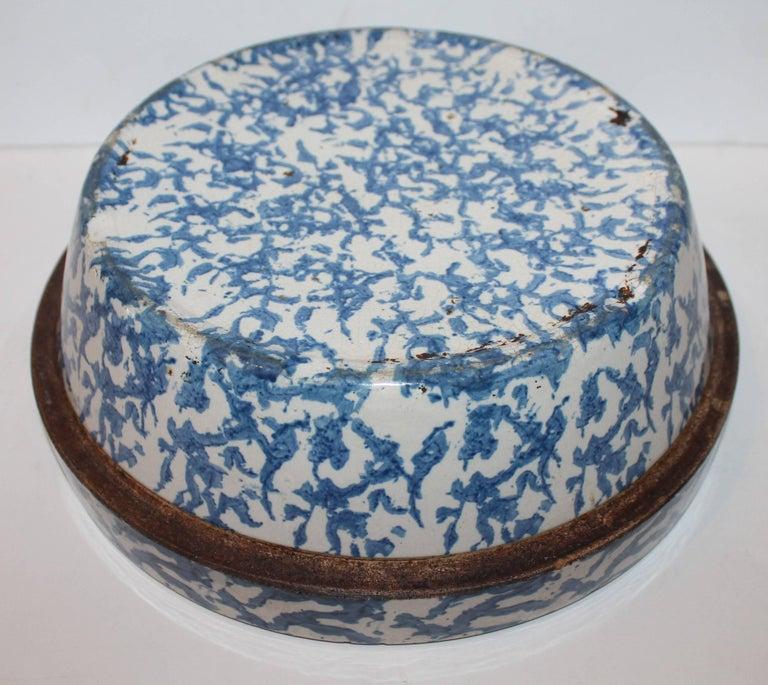 19th Century American Sponge Ware Bake Dish / Pot 5