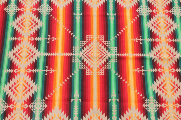 Pendleton Cayuse Indian Design Blanket In Good Condition For Sale In Los Angeles, CA