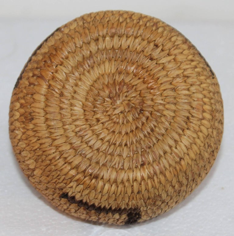 Pima Indian Miniature Hand-Woven Lided Basket 8