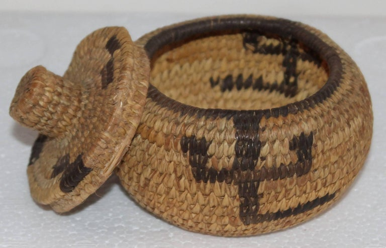 Pima Indian Miniature Hand-Woven Lided Basket 4