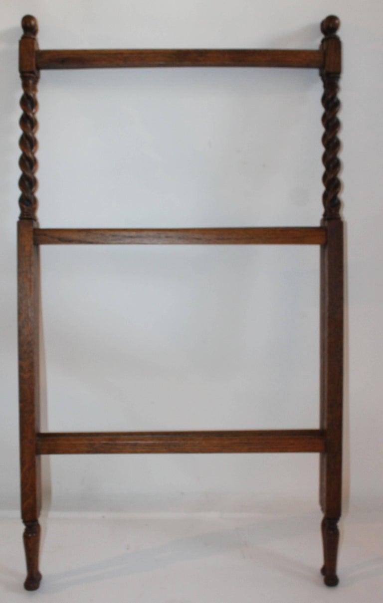 19th Century Oak Quilt Rack in Barley Twist Form 3