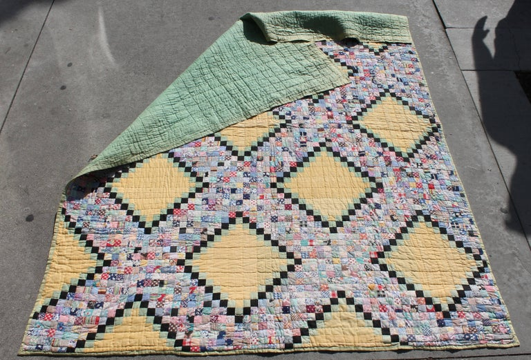 Mid-20th Century Quilt in Postage Stamp Chain For Sale