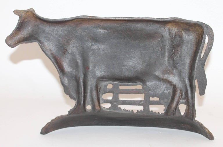 Cast Iron Cow Door Stop In Excellent Condition For Sale In Los Angeles, CA