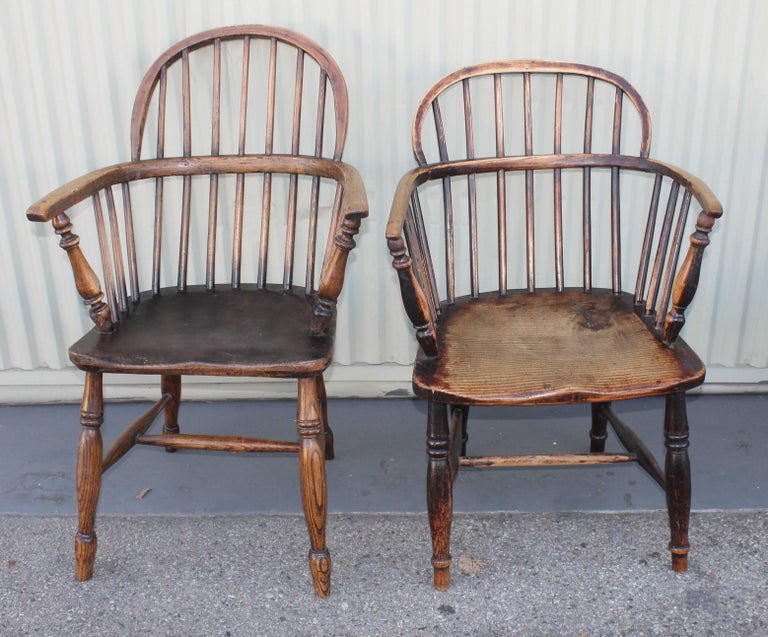 Country Windsor Chairs, Early 19th Century English Assembled Collection / 4 For Sale