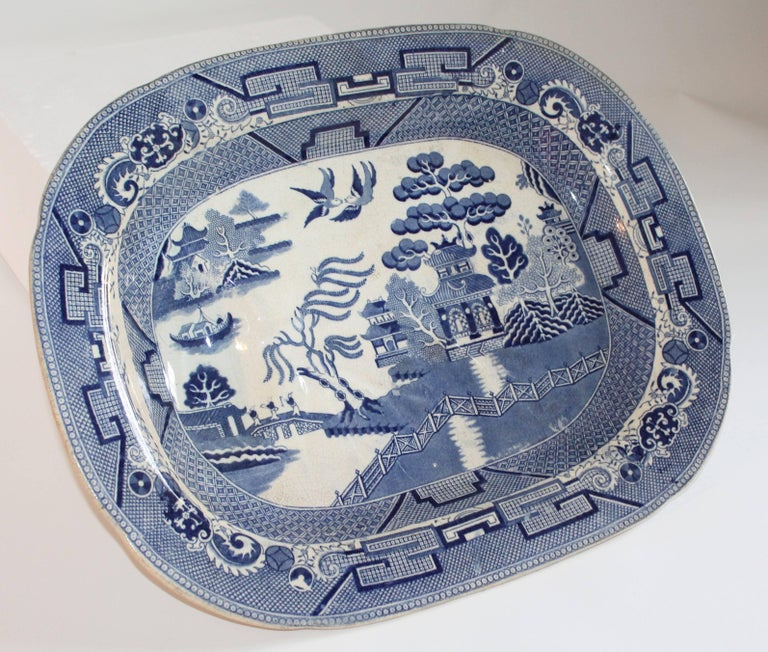 English Blue Willow 19th Century Meat Platter Monumental Size In Good Condition For Sale In Los Angeles, CA