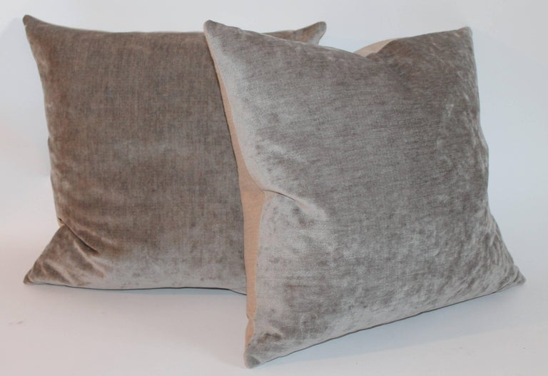 Velvet Lux Silk Olive Green Pillows, Pair In Excellent Condition For Sale In Los Angeles, CA