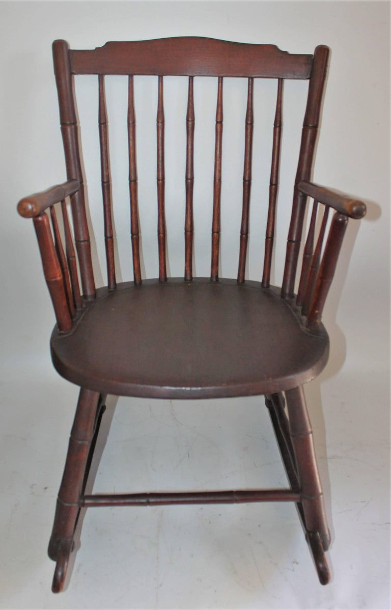 Hand-Crafted 19th Century Windsor Rocking Chair Original Surface For Sale