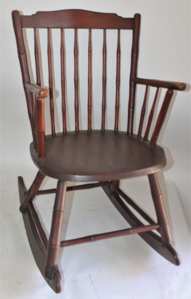 American 19th Century Windsor Rocking Chair Original Surface For Sale