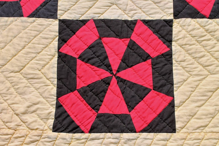 American Amish Quilt in Pinwheel Pattern For Sale