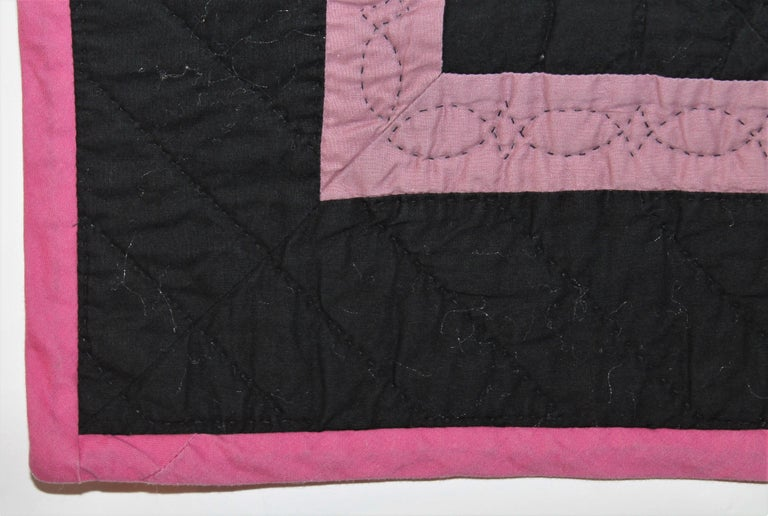 20th Century Amish Holmes Co., Ohio Craddle Quilt For Sale