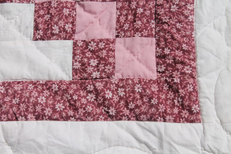 Irish Chain Quilt King Size In Excellent Condition For Sale In Los Angeles, CA