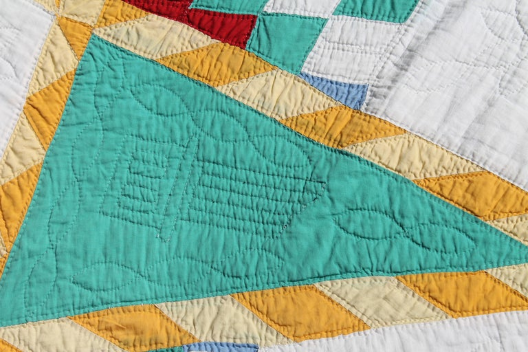Antique Quilt, Northeastern Star Quilt In Good Condition For Sale In Los Angeles, CA