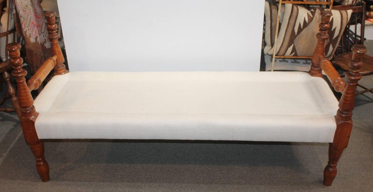 American Early 19th Century Bird's-Eye Maple Daybed or Bench Upholstered in Linen For Sale