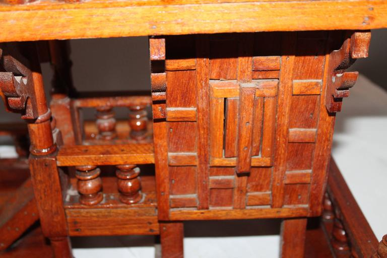 Thai Folk Arts And Crafts