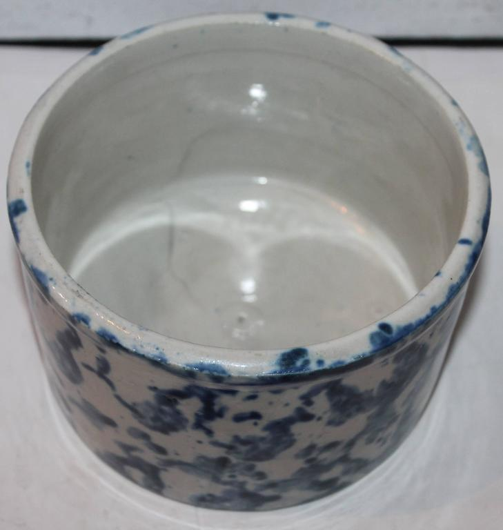 Hand-Painted 19th Century Rare Spongeware Pottery Butter Crock with Lid For Sale