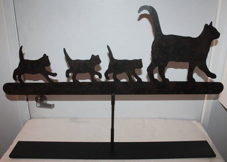 Early 20th Century Original Painted Folky Cats Weathervane In Excellent Condition For Sale In Los Angeles, CA