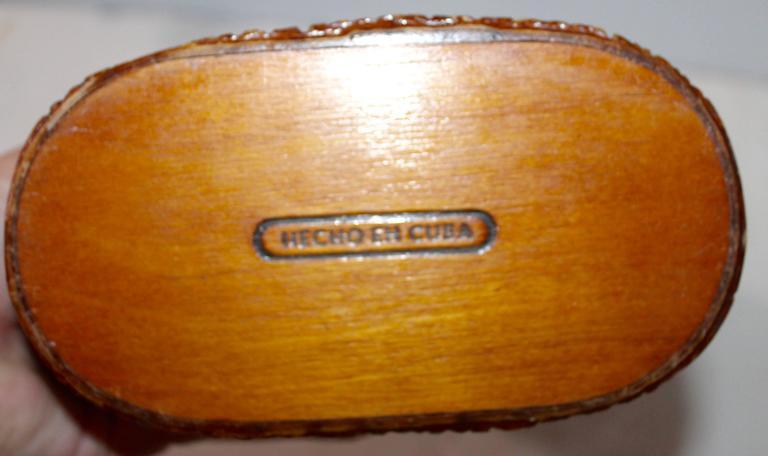 Adirondack Monumental Cuban Bark Covered Cigar Shoulder Bag For Sale