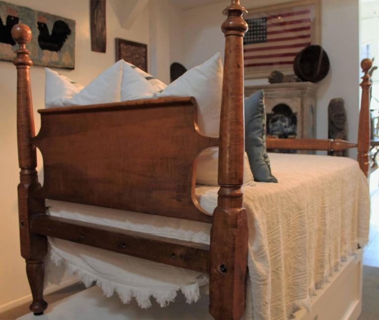 Early 19th Century Bird S Eye Maple Poster Bed At 1stdibs