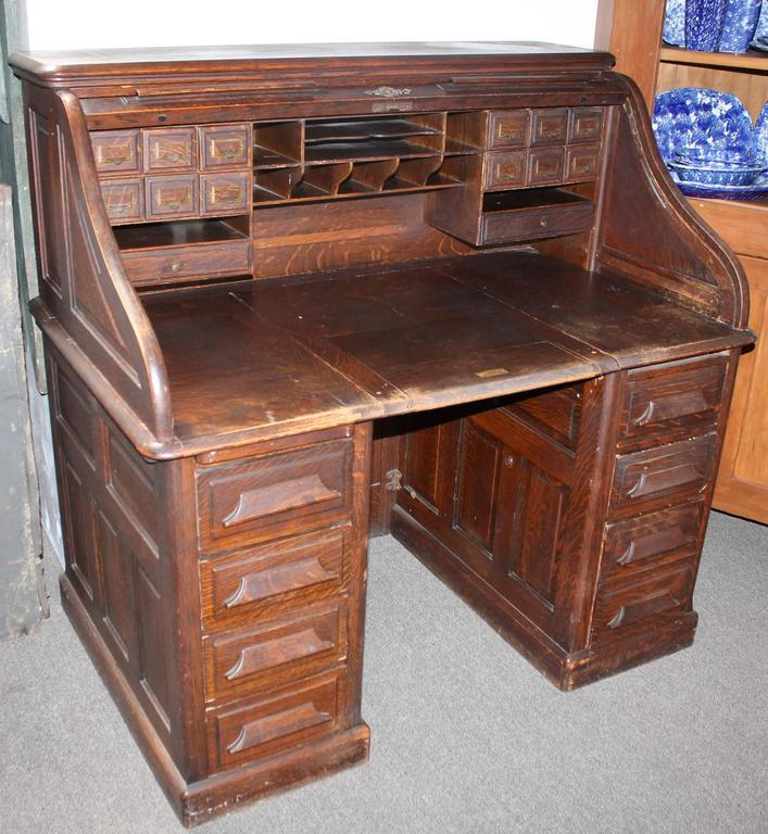 American Craftsman Late 19th Century N Furniture Co Roll Top Desk For
