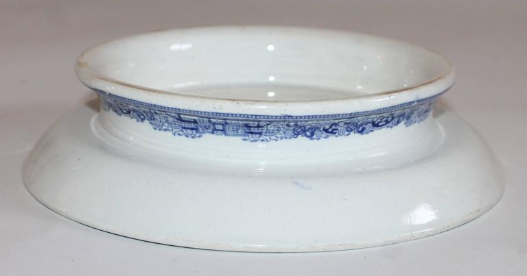 English 19th Century Blue Willow Cake Plate For Sale