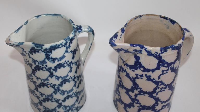 American Pair of 19th Century Spongeware Pitchers For Sale