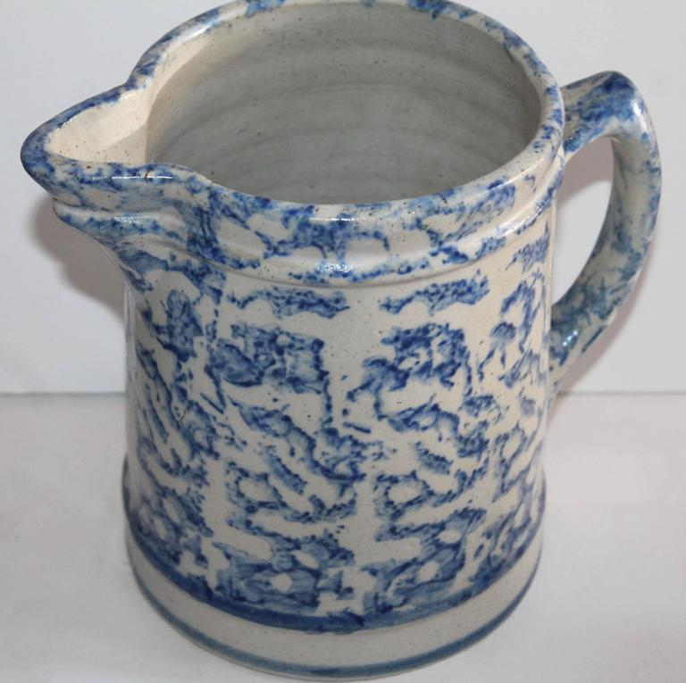 Country Pair of 19th Century Sponge Ware Pottery Pitchers For Sale