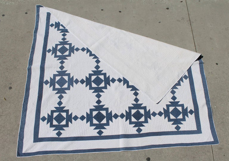 Quilt, 19th Century Blue and White Geometric In Good Condition For Sale In Los Angeles, CA