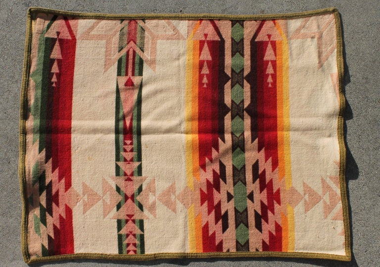 Pendleton Crib Indian Camp Blanket In Excellent Condition For Sale In Los Angeles, CA