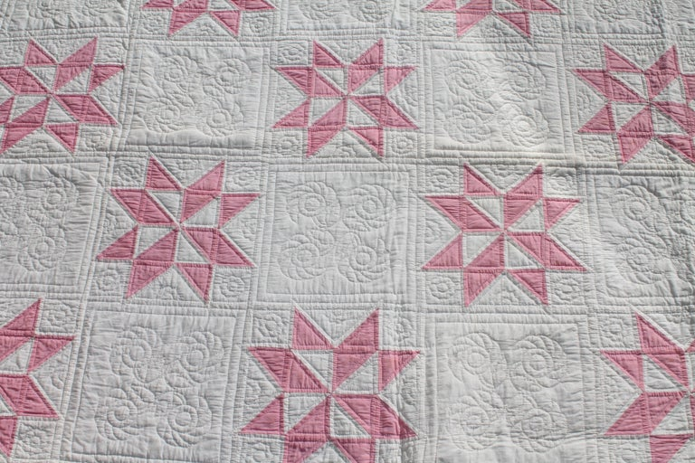 American 19th Century Star Quilt in Dusty Rose For Sale