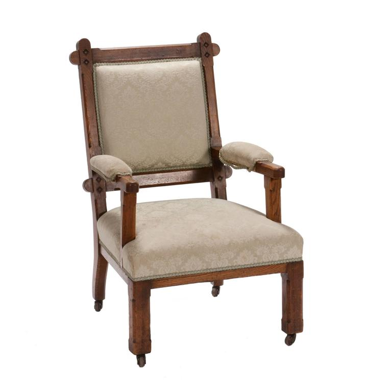 Early 20th Century English Arts and Crafts Oak Chair