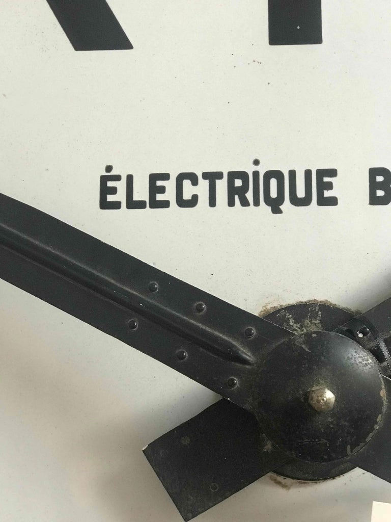 French Large Industrial Green Metal Clock from Early 20th Century France  For Sale