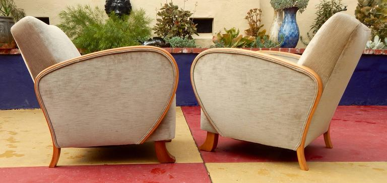 Pair of Swedish Art Deco Armchairs in Golden Elm, circa 1930 For Sale 3