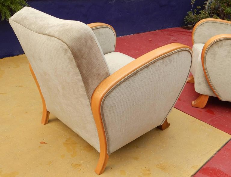 Pair of Swedish Art Deco Armchairs in Golden Elm, circa 1930 For Sale 1