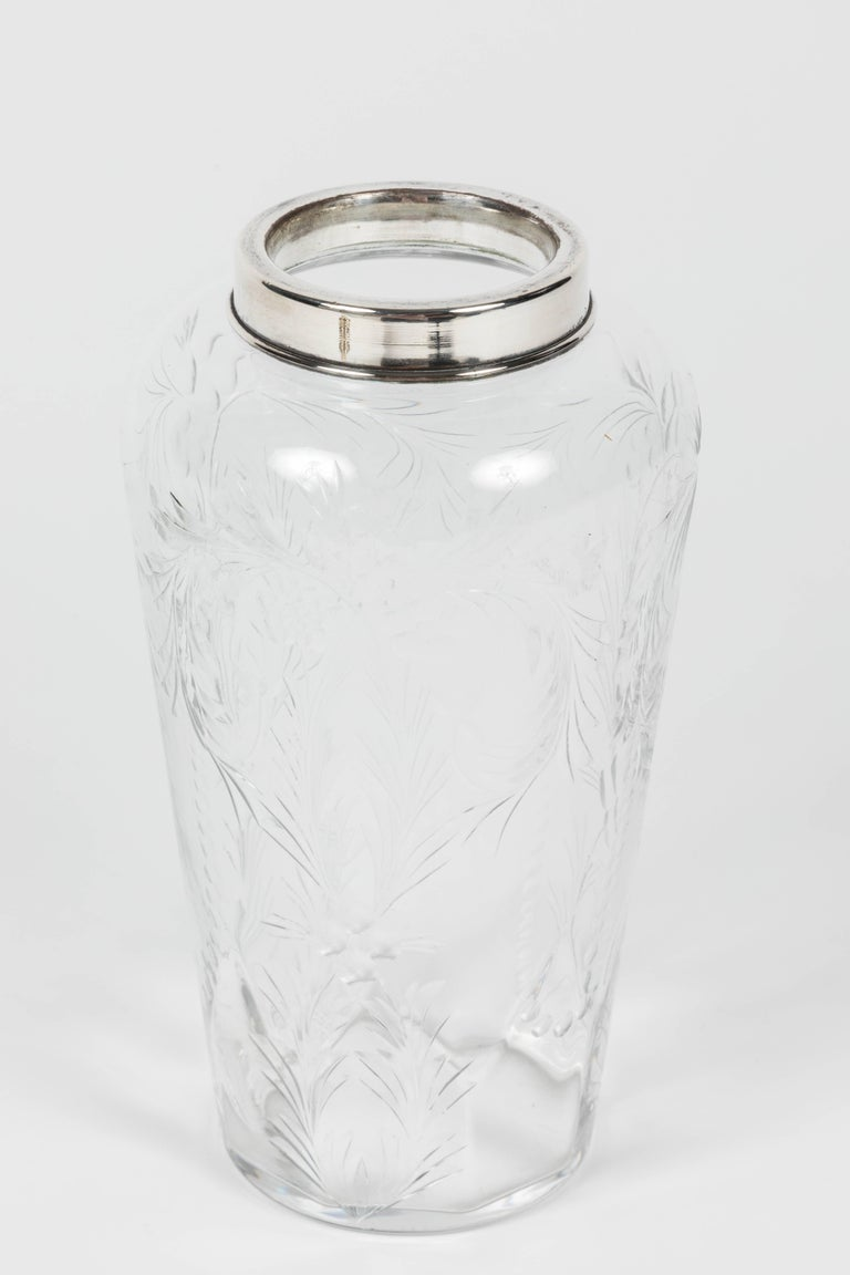 Etched Crystal and Silver-Plated Cocktail Shaker by Hawkes In Good Condition For Sale In Los Angeles, CA