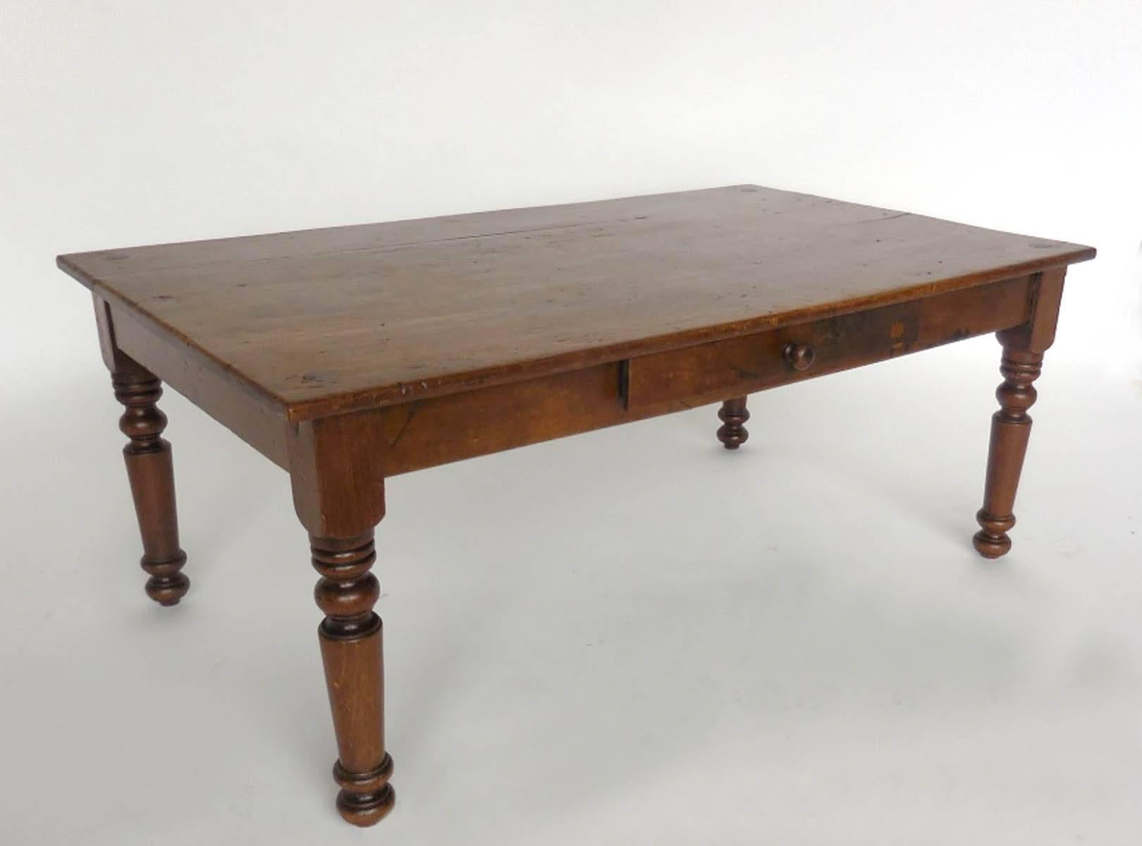 Delicieux Early 20th Century Childu0027s Bed Turned Coffee Table. Beautiful, Simple Turned  Legs, Nice
