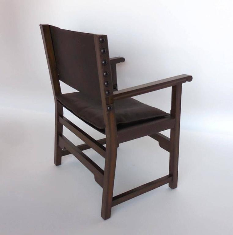 Contemporary Dos Gallos Custom Leather Sing Chair For Sale