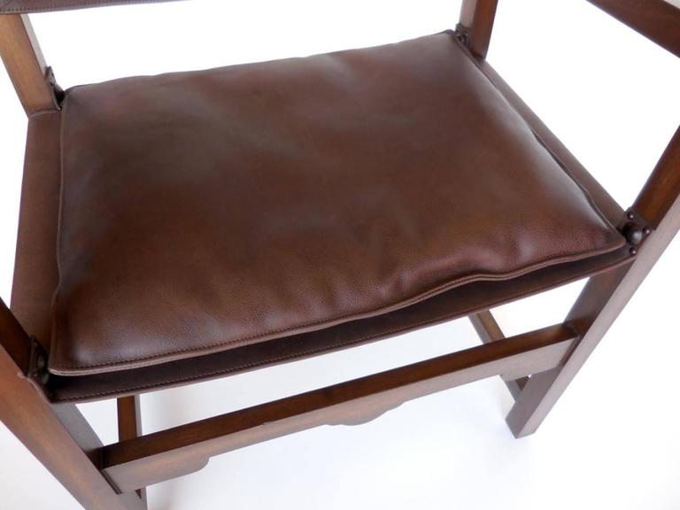 Dos Gallos Custom Leather Sing Chair For Sale 4