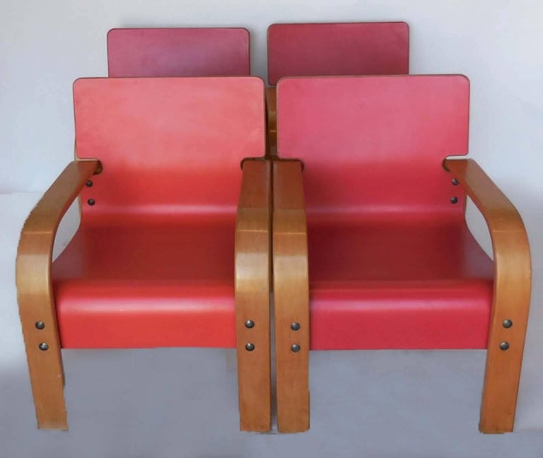 Mid-Century Modern Set of Four Bent Plywood Lounge Chairs For Sale